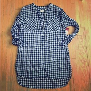 Dark blue and white long flannel
